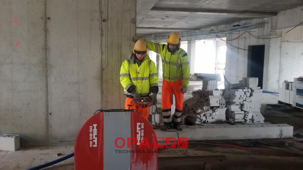 Cięcie betonu piłą diamentową